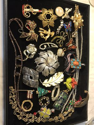 Vintage jewelry lot for Sale in Gulfport, MS