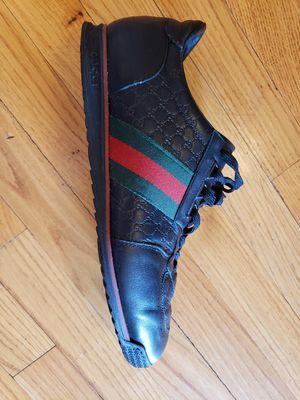 Gucci gg size 10 Sneaker for Sale in Chicago, IL