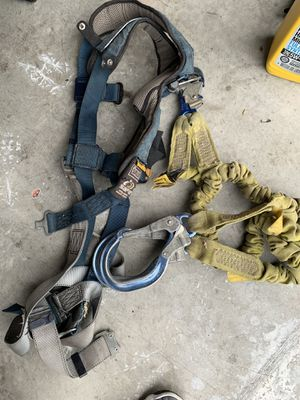 XL Sala Harness with pelican hooks for Sale in Pasco, WA