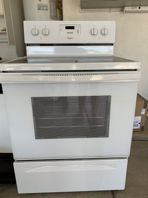 Whirlpool Oven/Electric Stovetop for Sale in Glendale, AZ
