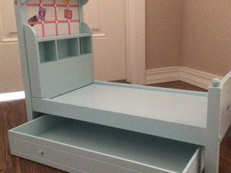 American Girl Doll Bed for Sale in Snoqualmie,  WA