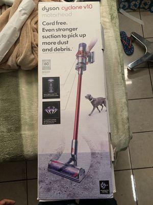 Dyson Cyclone V10 Motorhead Cordless Stick Vacuum Cleaner for Sale in Phoenix, AZ