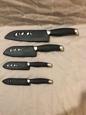 In great shape kitchen cutlery set of 4 for Sale in Vacaville, CA