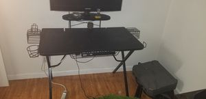 2 Gaming Desks for Sale in Los Angeles, CA
