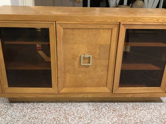 Wooden Cabinet for Sale in Deerfield Beach,  FL