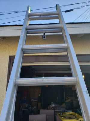 10 foot extention ladder for Sale in Harbor City, CA