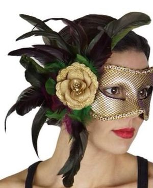 NEW Halloween feather boas, face masks & wigs for Sale in Fresno, CA
