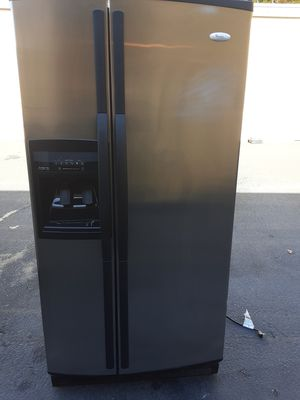 Whirlpool refrigerator for Sale in Kent, WA