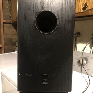 🎶🎶🔊ONKYO SKW-200 SUBWOOFER 🔊🎶🎶 for Sale in Fresno, CA