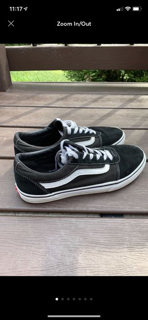 Vans Old Skool Youth Size 6 Shoes for Sale in Fort Wayne, IN