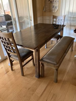 Dining room table for Sale in Castro Valley, CA