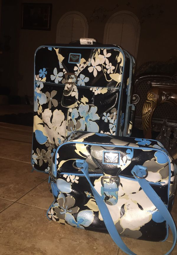Roxy Hawaiian print luggage and carry on bags