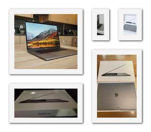 2018//MacBook///16GB//Grey for Sale in Miami, FL
