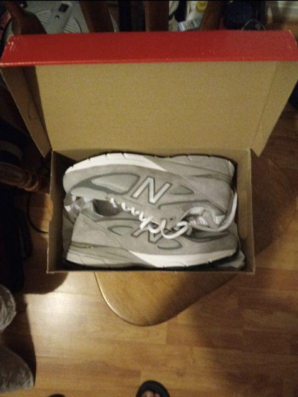 New Balance 990 v4 Size 10