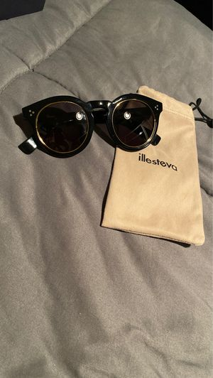 Sunglasses for Sale in Alta Loma, CA