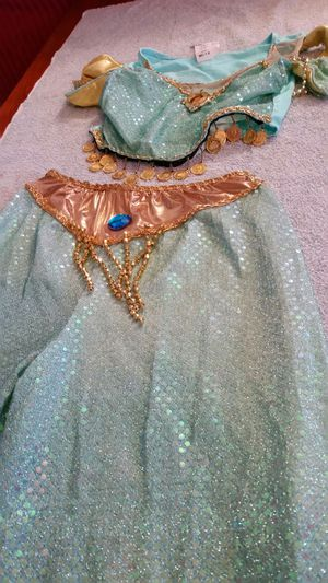 Jasmine Halloween costume good condition 7 8 for Sale in Victorville, CA
