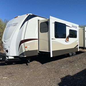 2014 SPRINTER 32FT DOUBEL DOOR BUMPER PULL TRAVEL TRAILER 2 BIG SLIDES LOOKS GREAT IN AND OUT for Sale in Glendale, AZ