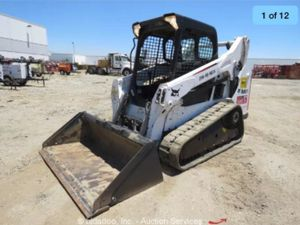 Bobcat T-590 with Tooth Bucket and Smooth for Sale in Vista, CA