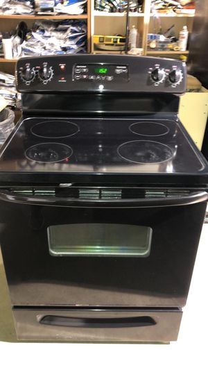 Ge electric stove for Sale in Chantilly, VA