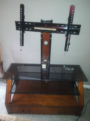 Tv stand/ Queen bedroom set for Sale in Alton, IL