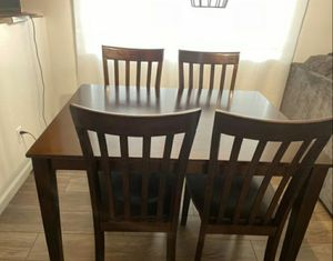 DINING TABLE WITH CHAIRS for Sale in Pumpkin Center, CA