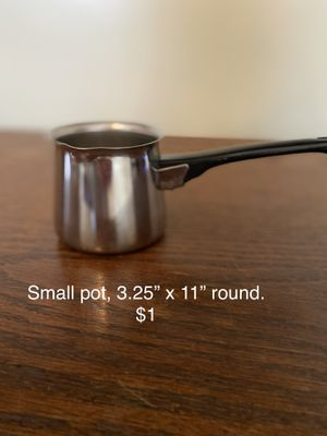"""Small pot. 3.25"""" x 11"""" round. $1 for Sale in Columbia, SC"""