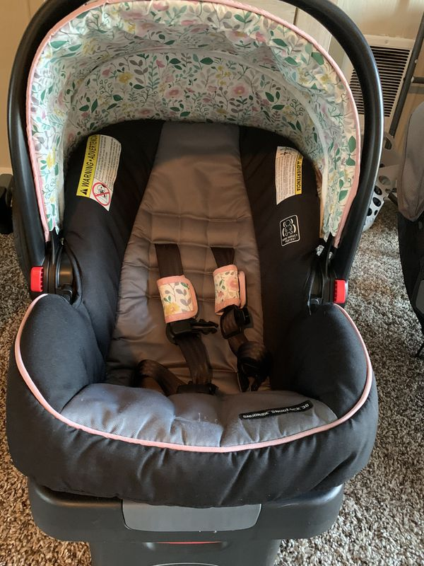 Graco infant car seat and stroller travel system
