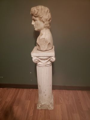 Concrete pedestal and ceramic bust for Sale in Waynesville, OH