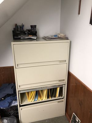 Filing cabinet for Sale in Bridgeville, PA