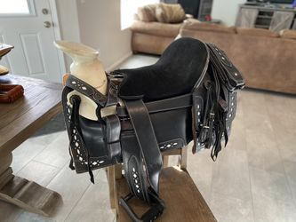 "18"" NEW HORSE SADDLE for Sale in Hesperia,  CA"
