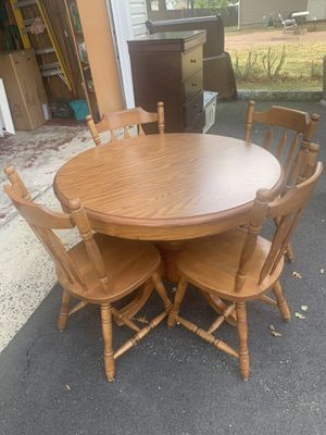 Dining table for Sale in Edison, NJ