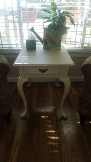 Side table for Sale in Dinuba, CA