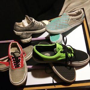 Vans & Converse for Sale in Niceville, FL