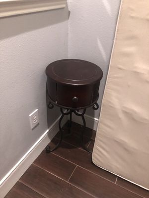 Side table for Sale in Spring, TX