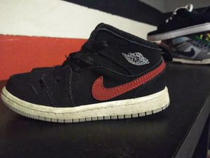 9c Nike air jordan retro 1 $20 really nice for kids.... amazing cool little shoe.... swoosh is red and blue is the same pair of shoes for Sale in San Diego, CA