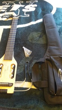 Traveling electric guitar barely used. for Sale in East Wenatchee,  WA