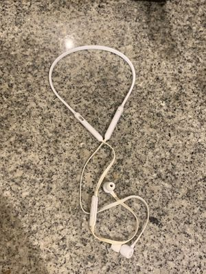 White wireless earbuds Beats X for Sale in Houston, TX
