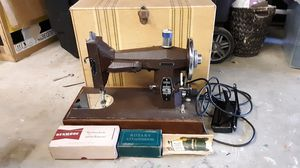 Vintage 1948 Kenmore Deluxe Rotary Sewing Machine for Sale in Lakewood, CA