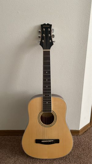 Mitchell mdg10 junior acoustic guitar for Sale in Edwardsville, IL
