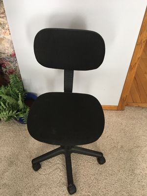 Adjustable Rolling Office Chair for Sale in Sioux City, IA
