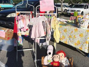 Vintage flea market! Today! Kids clothes modern too baby Pyrex for Sale in Pompano Beach, FL