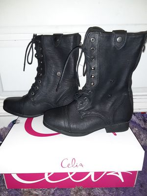 New boots for girls size 4 for Sale in Bakersfield, CA