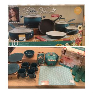 Pioneer Woman/Pans and Accessories for Sale in Gibsonton, FL