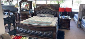 4-pcs EK Or CK Bedroom Set on Sale Only At Elegant Furniture 🎈🛋🛏 for Sale in Fresno, CA