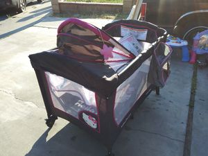 Hello kitty crib for Sale in Bakersfield, CA