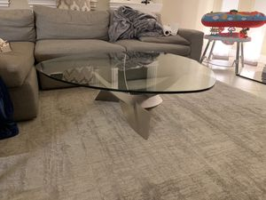Modern glass coffee table for Sale in San Mateo, CA