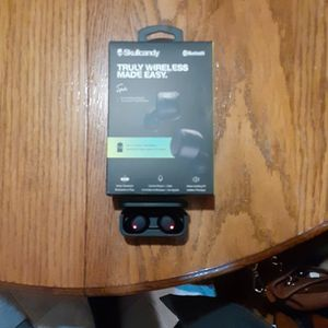 Skullcandy Bluetooth headphones for Sale in North East, MD