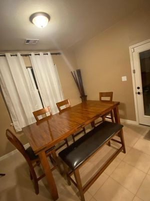 Dinning table 600 obo for Sale in Hockley, TX