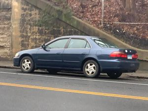 98 Honda Accord ex with 208k runs great 1200o.b.o for Sale in Waterbury, CT