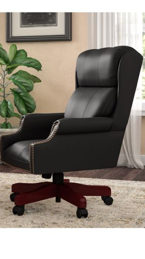 Executive leather office chair for Sale in Seal Beach, CA